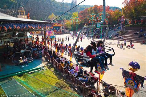 theme park zoo zoo korea the world s 25 most popular theme parks including disney s
