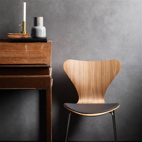 sitzkissen stuhl series 7 by fritz hansen in the shop
