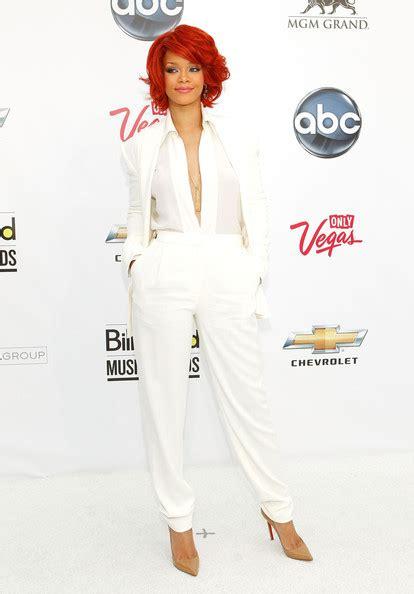 Rihanna In Max Azria Atelier by La Moda Quot Suit Quot Moda En Serie