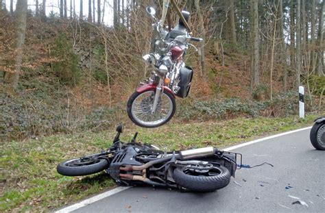 Motorrad Unfall Tod by Motorradunfall Bei Wennenk Zwei Verletzte In Klinik