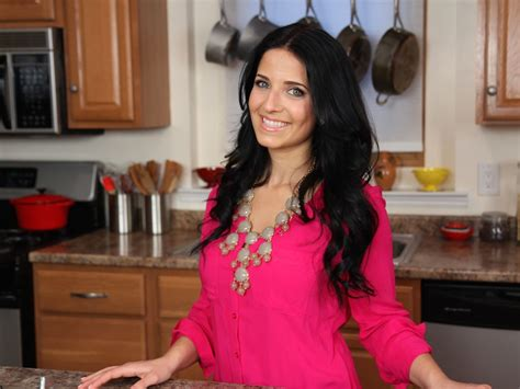 Layra Simple tv show rises from to cooking channel