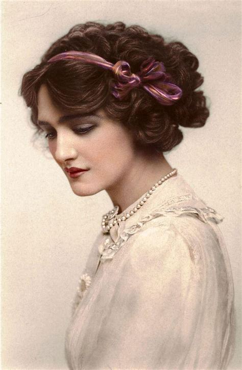 whats trending in hair jewelry a brief history of titanic fashion trends and styles