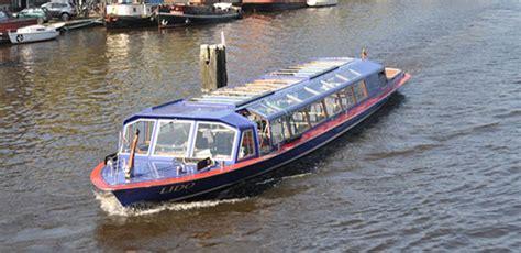 boten in amsterdam boot huren amsterdam luxe sloepen rondvaartboten en tickets