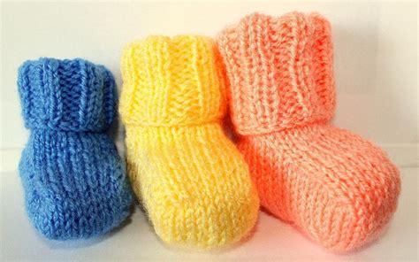 easy knitting patterns baby booties easy baby booties knit pattern let nothing stop you