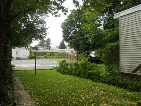 backyard parking york college of pennsylvania ycp off cus housing student rental apartments 223