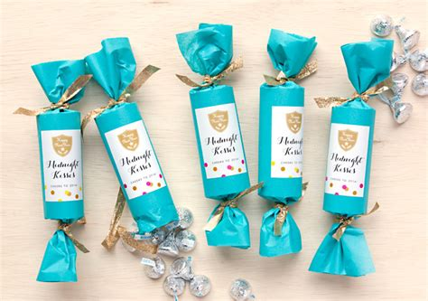 Gift Wrap Ideas For Baby Shower - new year s eve party favors midnight kisses gift amp favor ideas from evermine