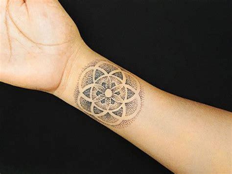 tatouage pointillisme la nouvelle m 233 thode 224 la mode