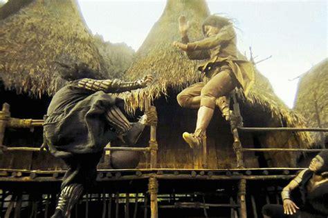 affiche du film ong bak 2 la naissance du dragon photo de tony jaa dans le film ong bak 2 la naissance du