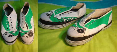 designboom shoes convertible shoes into flipflops designboom com