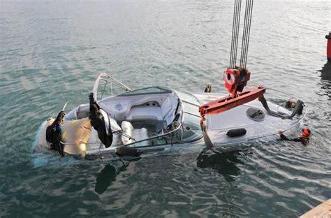 capitaneria porto di genova abbordaggio a camogli si cercano in mare i pirati fantasma