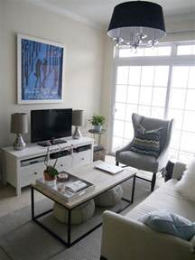 Small living room ideas that defy standards with their