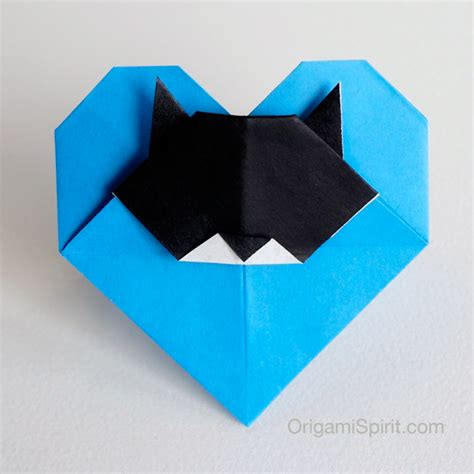 Origami Cat - cat an origami with a cat