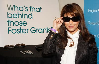 Foster Grant Pair A Day Giveaway 10th And Day by Foster Grant Sunglasses Giveaway The Luxury Spot