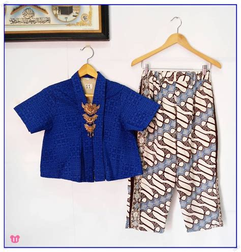 Hanum Blouse Blus Panjang Baju Atasan Top Busana Muslim Wanita 399 best images about batik on fashion weeks jakarta and cotton kaftan
