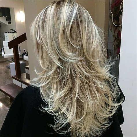 haircuts that add volume to long hair 25 best ideas about long layered haircuts on pinterest