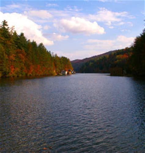 lake hartwell boat rs open ne georgia mountains fishing lakes