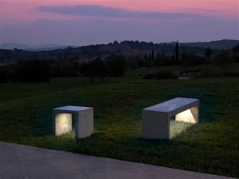 panchina cemento panchina in cemento con illuminazione integrata i cementi