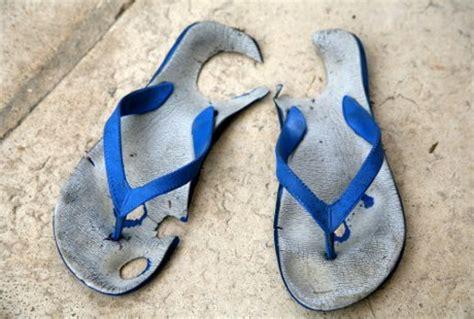 Sendal Flipflop Sendal Pompom Sendal Jepit sandal jepit
