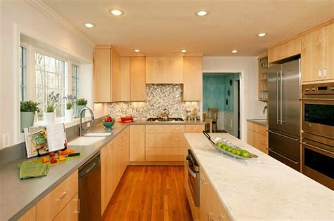 Modern kitchen with CWP Cabinetry & Marble Island