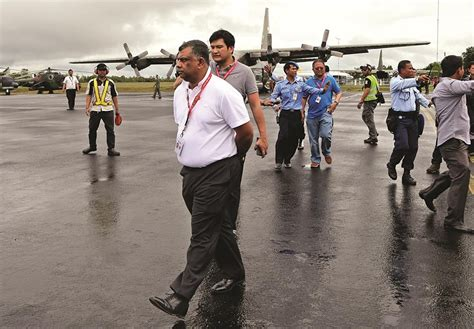 airasia group weather hinders airasia recovery effort hamodia
