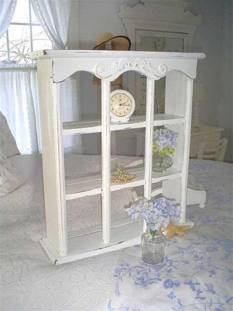 Vintage Cottage Furniture by Best 25 Shabby Chic Shelves Ideas On Shabby