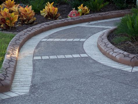 decorative concrete landscape curbing in ta bay