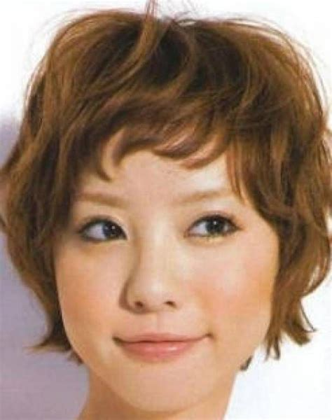 messy toward face hair cut pin by allie goldstone on asian pinterest pixies