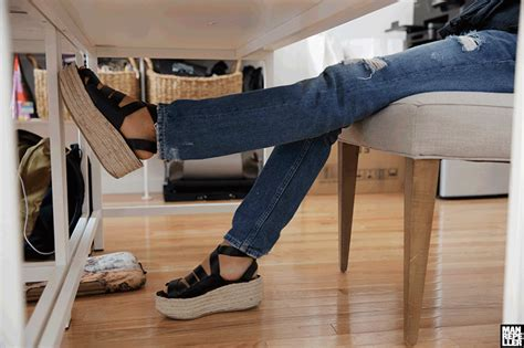 Desk Leg Exercises by How To Exercise At Your Desk Repeller