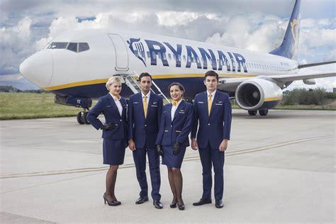 volo roma porto ryanair cerca assistenti di volo a roma manda qui il tuo