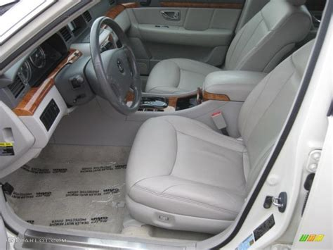 2004 Kia Interior Gray Interior 2004 Kia Amanti Standard Amanti Model Photo