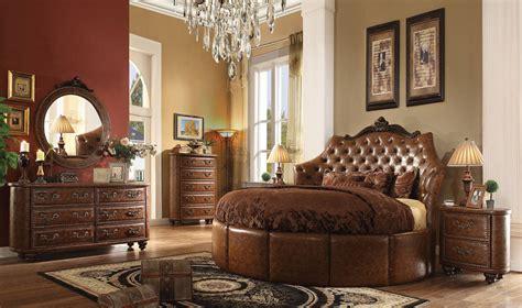 crescent bedroom set varada crescent brown cherry pu round 5pc bedroom set w 87