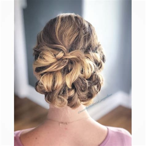 Prom Up Hairstyles by Prom Updos Pictures And How To S For The Best Prom Updos