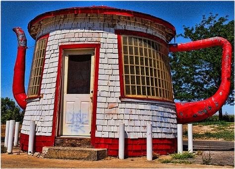 unusual house teapot dome gas station in zillah washington damn cool