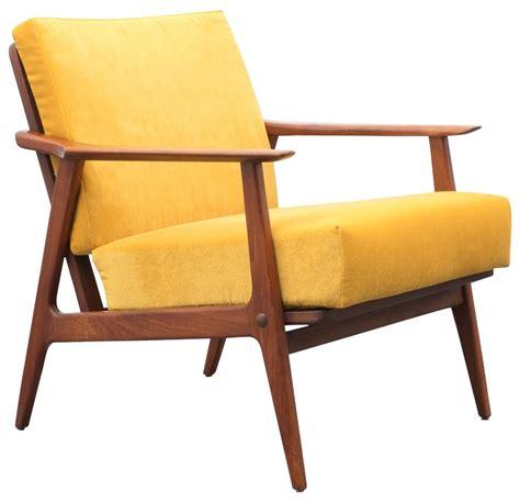 fauteuil style scandinave fauteuil en teck et tissu jaune style scandinave 233 es 60 design market