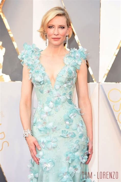 A Closer Look At The Oscars Cate Blanchett by Oscars 2016 Cate Blanchett In Armani Priv 233 Tom Lorenzo