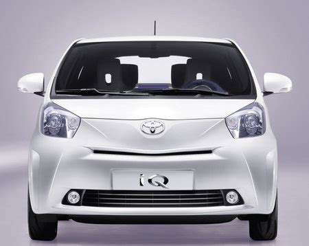 toyota auto company toyota named uk s cleanest auto company