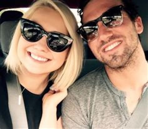 voice contestant raelynn woodward marries longtime the voice s raelynn gets married in nashville romantic