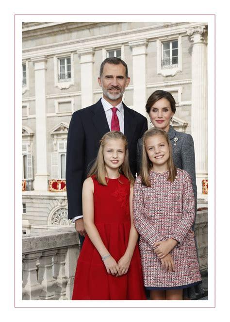 spanish royal familys  christmas card popsugar celebrity uk