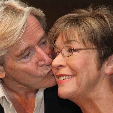 sad celebrity interviews stars pay touching tribute to anne kirkbride coronation