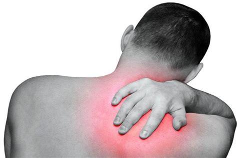 dolore al lato destro della testa dolore schiena bassa e gambe sciatica quanto dura dolore