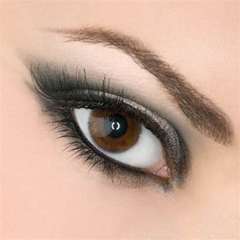 Eye Makeup Tips For Girls And Women in Pakistan