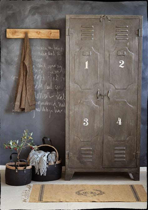 metal lockers for rooms acabados vintage para una decoraci 243 n industrial dec 243