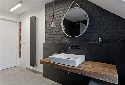 Ordinaire Salle De Bain Noir Et Blanc Design #1: salle-bain-noir-bois-parement-brique-noire-plan-vasque-vasque-poser.jpg