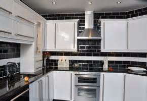 Fitted Kitchen Cabinets White Hi Gloss Fitted Kitchens Uk