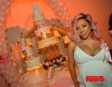 Tiny Baby Shower by T I And Tiny Harris Baby Shower Pictures Rolling Out