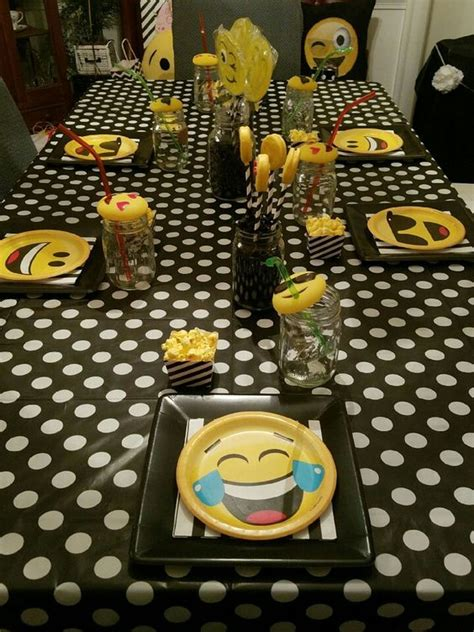 Superior  Habitaciones De Bebes Ninas #2: Fiesta-cumpleanos-tematica-emojis-29.jpg