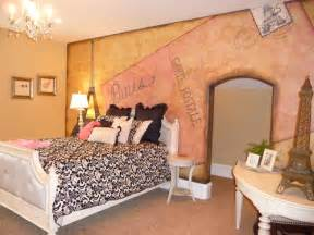Paris Bedroom Decorating Ideas by Need Wallpaper To Match New Paris Theme