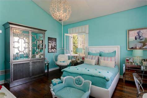 dekorasi kamar tidur sederhana warna cat biru