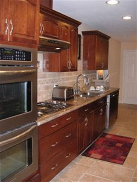 kitchen galley chico ca 1000 images about kitchens with oak cabinets on