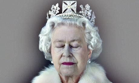 elizabeth ii last name queen of england